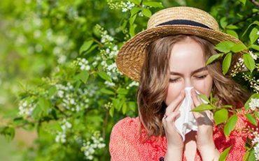 Az allergia okozhat lázat?